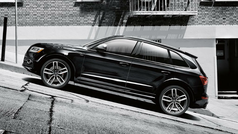 2016 Audi SQ5 Mythos Black Metallic