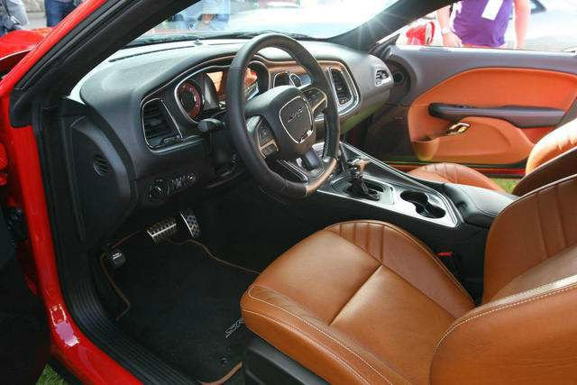 2016 Dodge Challenger Hellcat Interior
