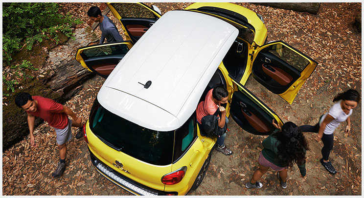 2016 Fiat 500L Colored Roof