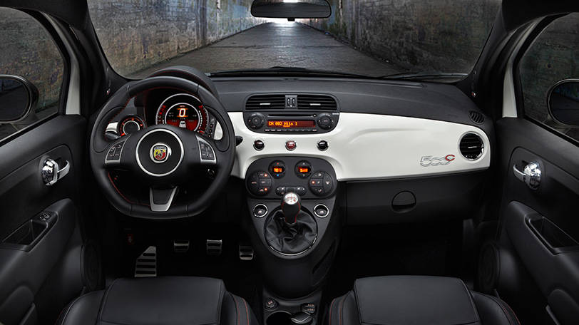 2016 Fiat Abarth Cabrio Interior