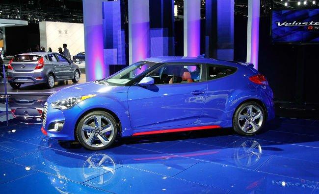 2016 Hyundai Veloster Turbo (Blue Color)
