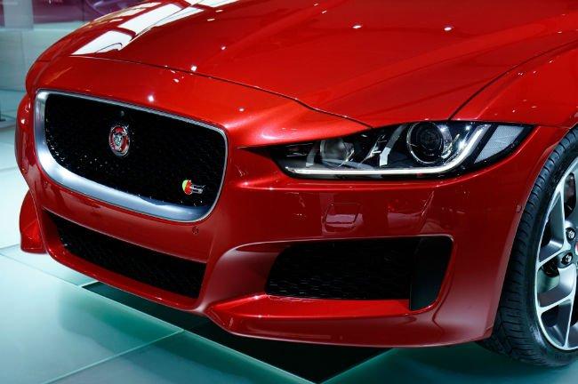 2016 Jaguar XE Headlight