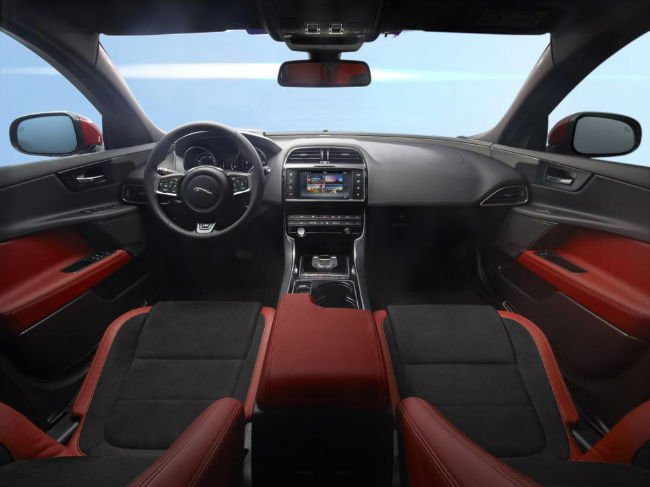 2016 Jaguar XE Interior