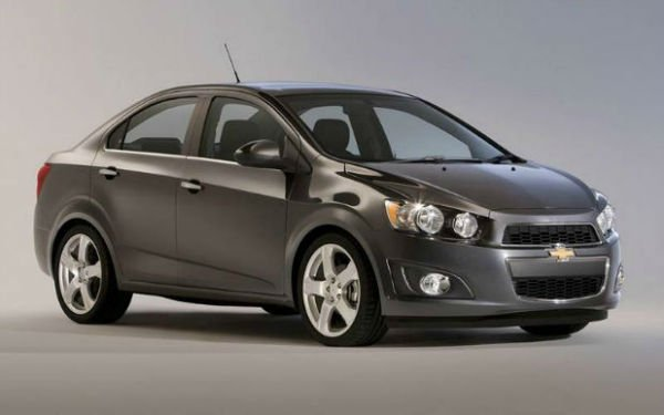 2016 chevrolet sonic black. Black Bedroom Furniture Sets. Home Design Ideas