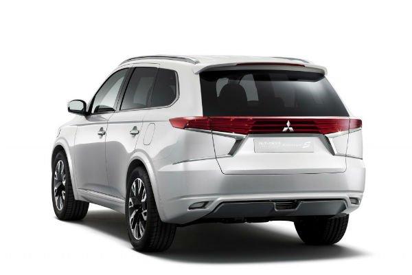 2016 Mitsubishi Outlander Exterior