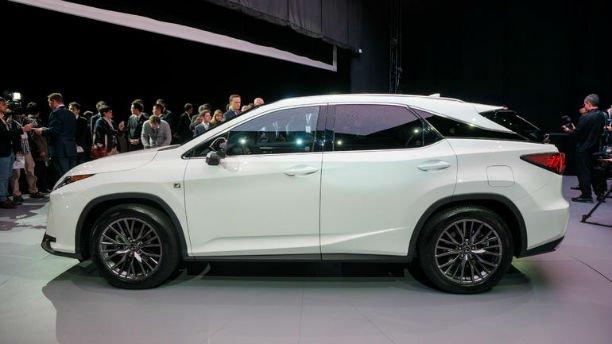 2016 Lexus IS 350 Model