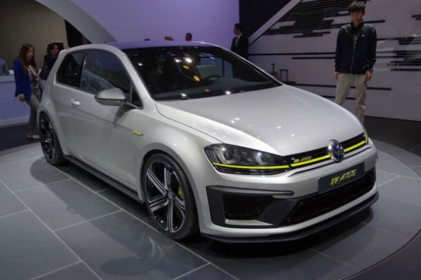 2016 volkswagen golf r r420. Black Bedroom Furniture Sets. Home Design Ideas