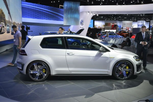 2016 Volkswagen Golf R420