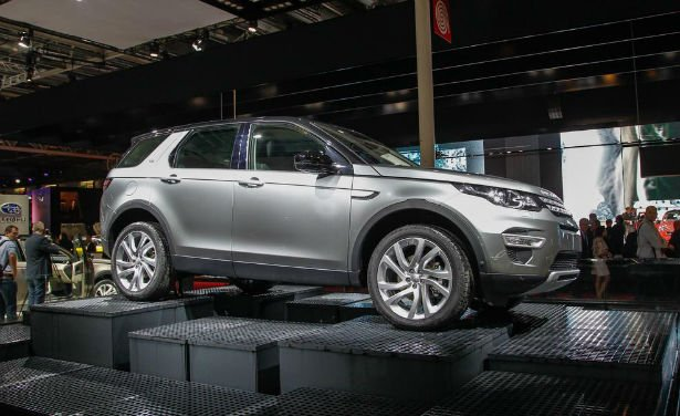 2016 Land Rover Discovery Sport Model