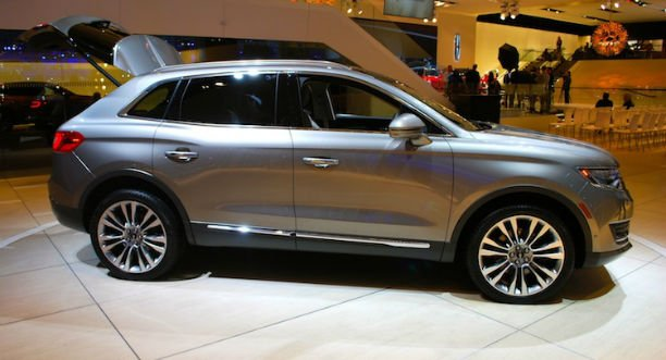 2016 Lincoln MKX Model