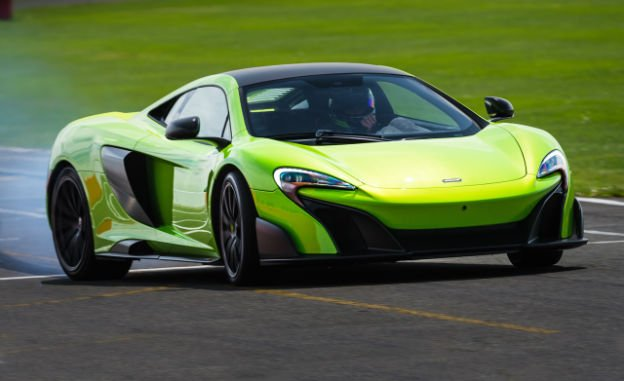 2016 McLaren 675LT Green