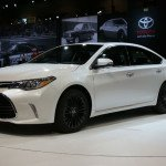 2016 Toyota Avalon Limited White
