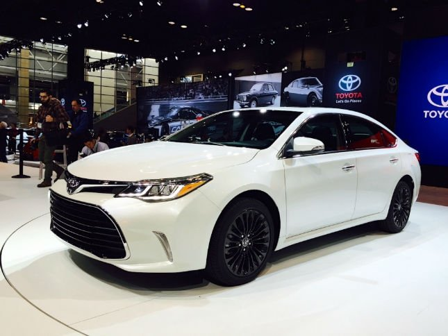 2016 Toyota Camry Se Blizzard Pearl
