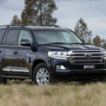 2016 Toyota Land Cruiser Black