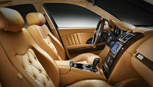 2017 Maserati Levante Interior