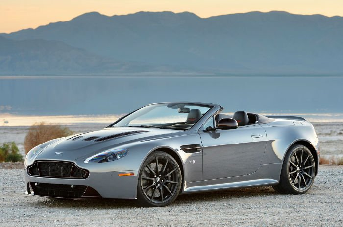 2017 Aston Martin v8 Vantage Wallpaper