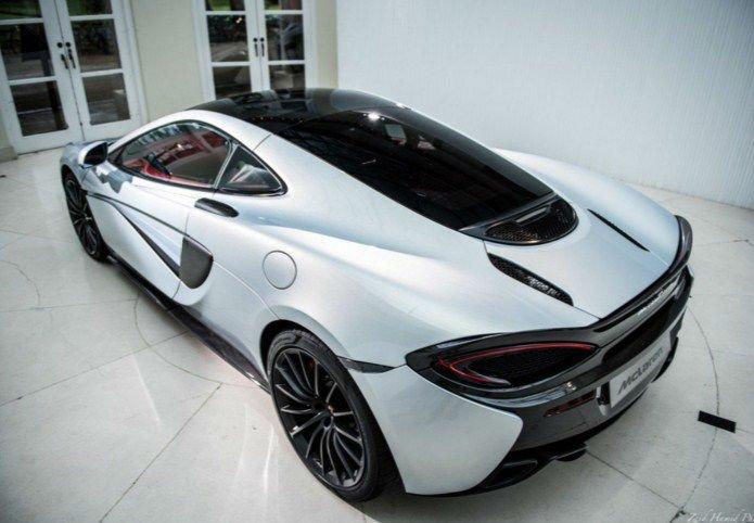 2017 McLaren 570 GT White