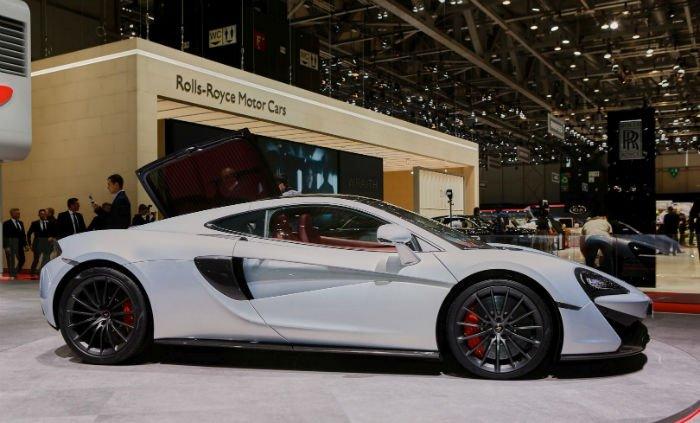 2017 McLaren 570GT Car