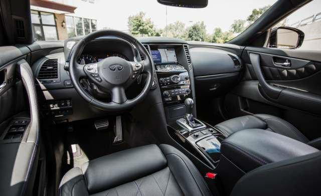 2017 Infiniti QX70 Dashboard