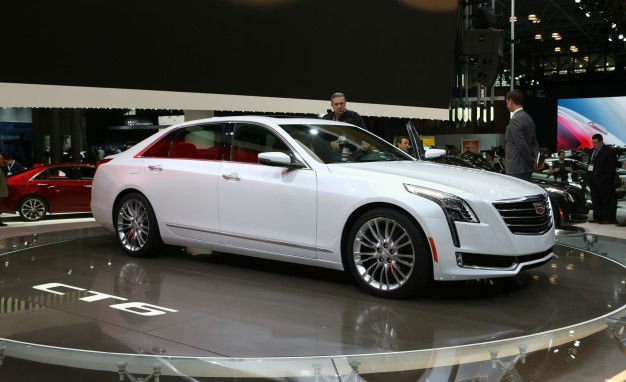 2017 Cadillac CT6 Plug-in Hybrid Model