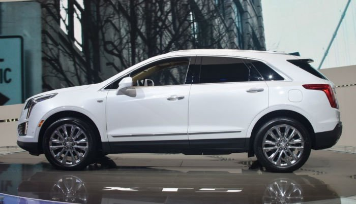 2017 Cadillac SRX Exterior