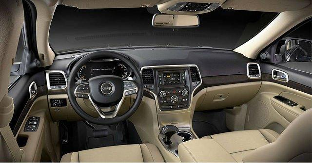 2017 Jeep SRT Interior