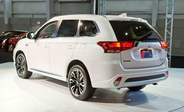 2017 Mitsubishi Outlander Hybrid