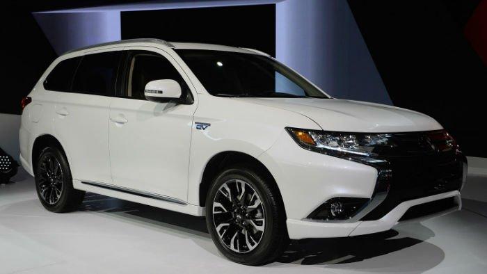 2017 Mitsubishi Outlander PHEV Model