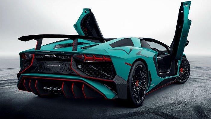 2017 Lamborghini Aventador lp750-4