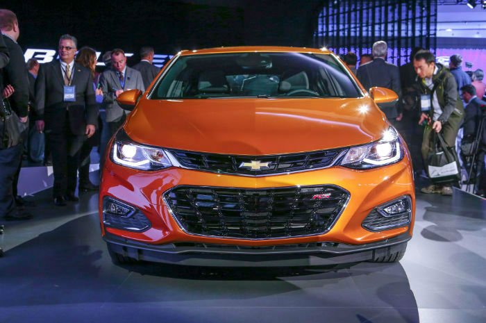 2017 Chevrolet Cruze Hatch Facelift