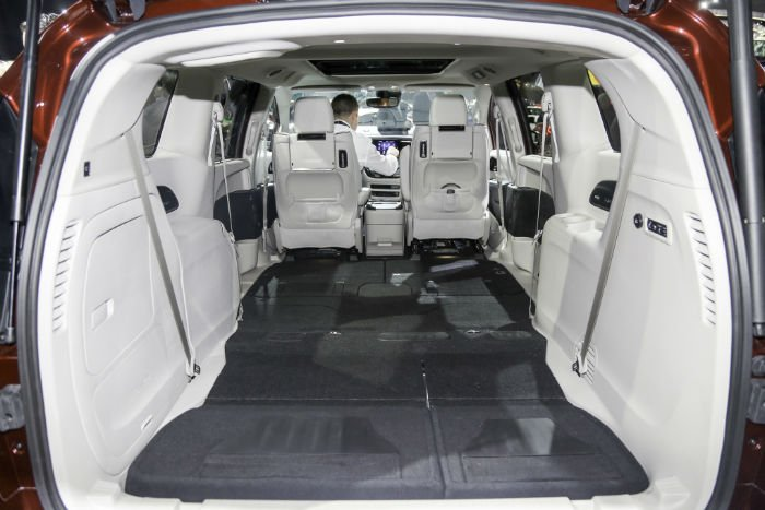2017 chrysler pacifica cargo capacity. Black Bedroom Furniture Sets. Home Design Ideas