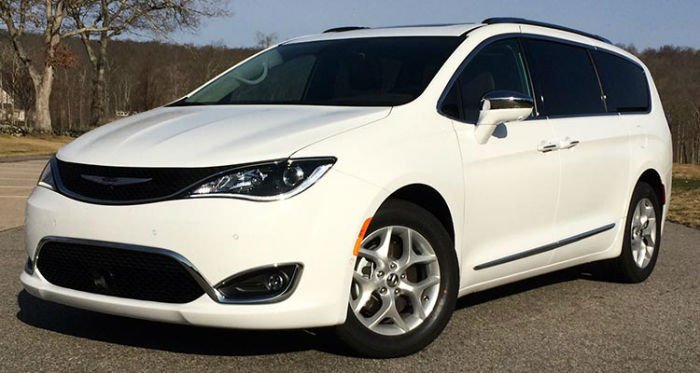 2017 Chrysler Pacifica Limited White