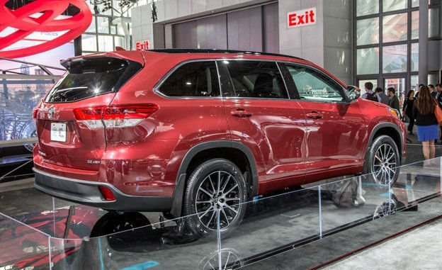 2017 Toyota Highlander Official Photo