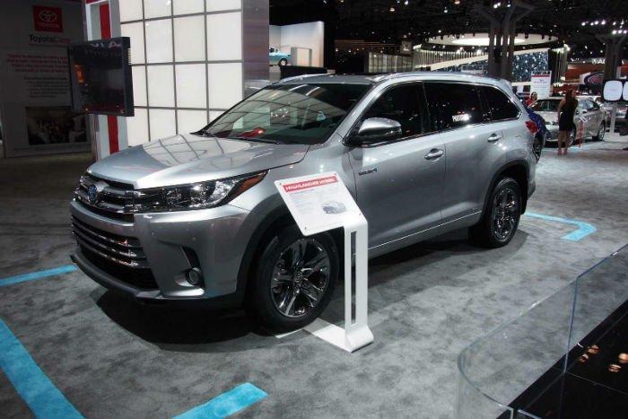 2017 Toyota Highlander Pictures