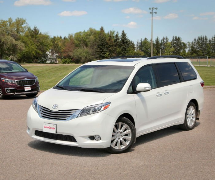 2017 toyota sienna xle premium. Black Bedroom Furniture Sets. Home Design Ideas