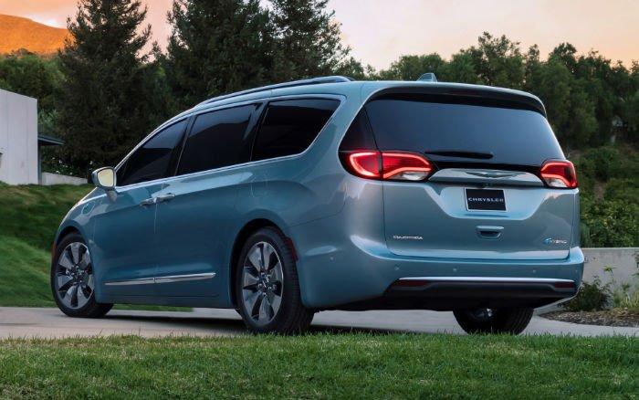 Chrysler Pacifica Hybrid 2017 Exterior