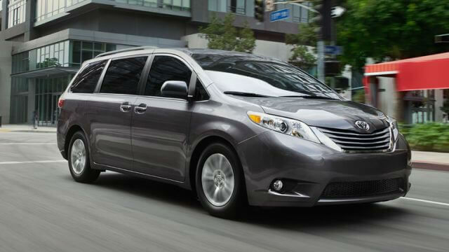 Toyota Sienna 2017 Pictures