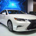 2017 Lexus ES 300h Hybrid Model