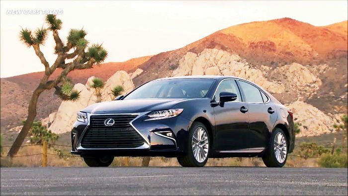 2017 Lexus ES 300h Wallpaper