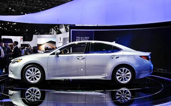 2017 Lexus ES 350 Model