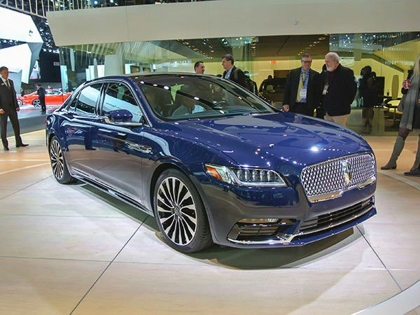 2017 Lincoln Continental Pictures