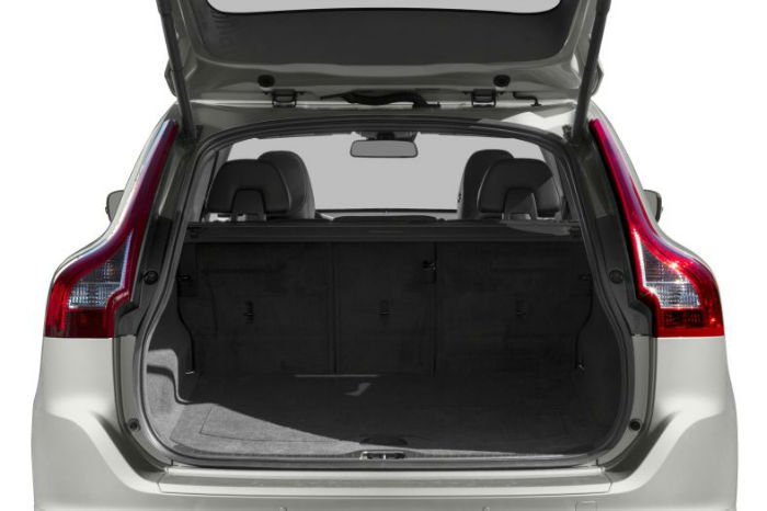 2017 Volvo XC60 T5 Dynamic Boot Space