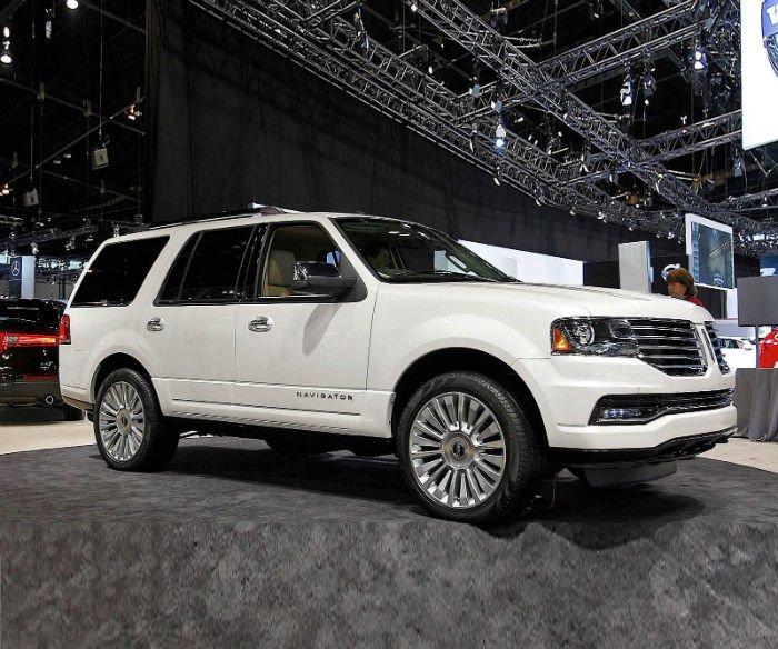 2017 Lincoln Navigator Images