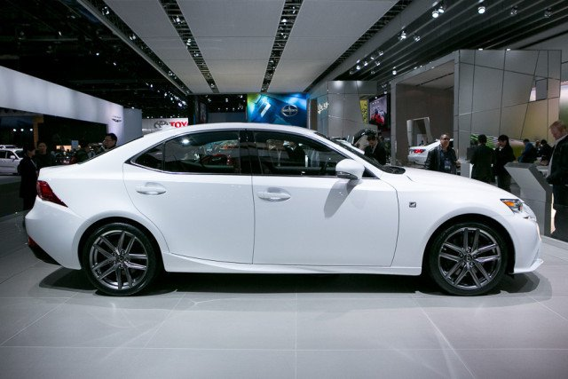 Lexus 2017 IS350
