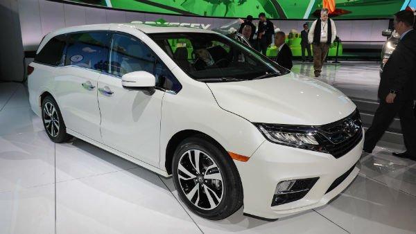 Honda Odyssey 2018 White (Colors)