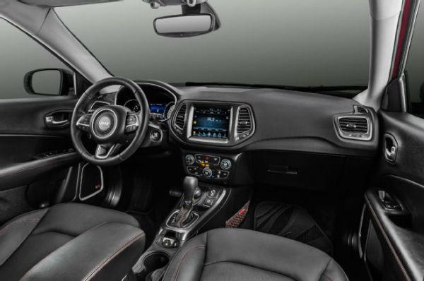 2018 jeep compass latitude interior. Black Bedroom Furniture Sets. Home Design Ideas