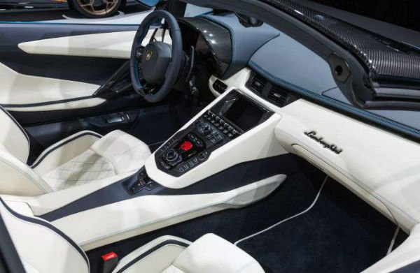 Lamborghini Gallardo 2018 Interior
