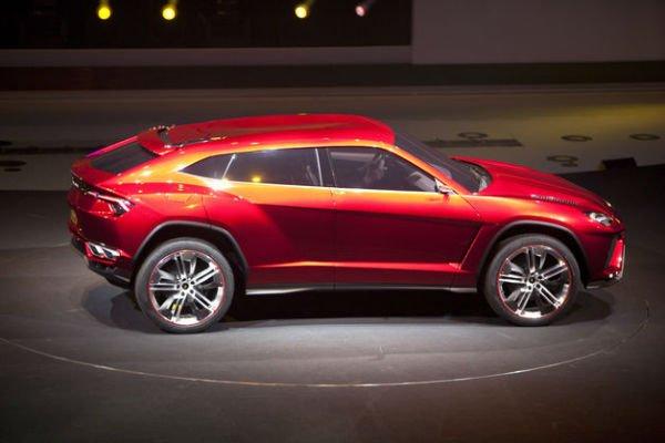 2018 Lamborghini Urus Red