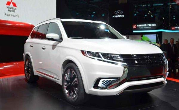 2018 Mitsubishi Outlander Configurations