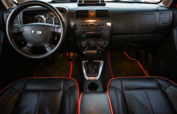 2020 Hummer H3 Interior
